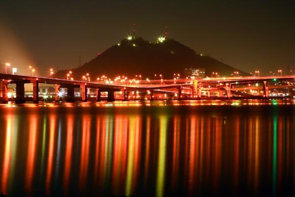 広島夜景黄金山,海田大橋