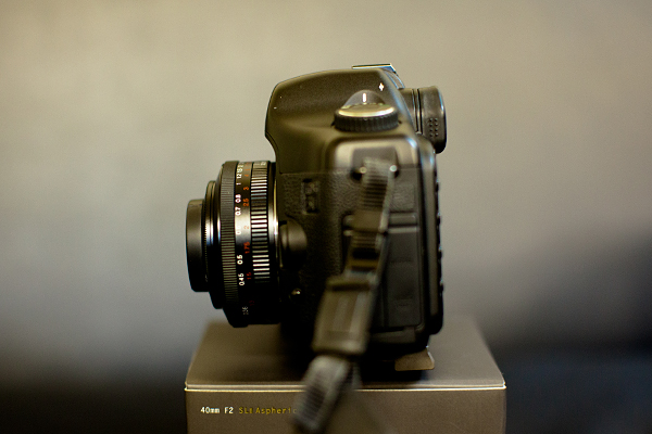 Voigtlander ULTRON 40mm F2 SLII Aspherical/EF(ウルトロン 40mm F2  EOSマウントパンケーキレンズ)